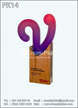 Plakat Kayu Penghargaan Vidio