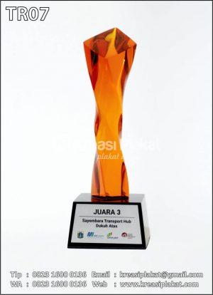 Piala Kristal Sayembar...