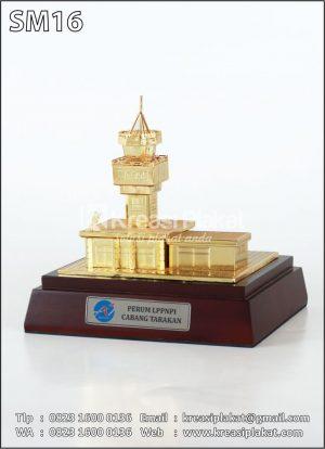 Miniatur Gedung LPPNPI Airnav Tarakan