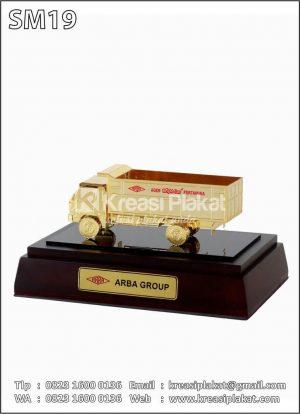 Miniatur Truk Gas Arba...
