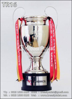 Trophy Piala Bergilir Sepakbola