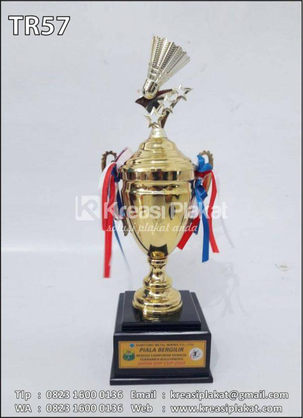 Contoh Piala Bergilir Badminton