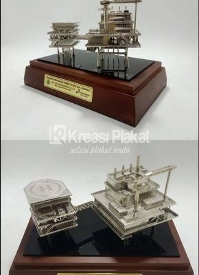 Jenis Alat Berat yang Cocok Menjadi Souvenir Miniatur