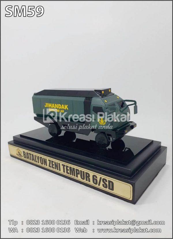 Souvenir Miniatur Truk JIHANDAK TNI AD