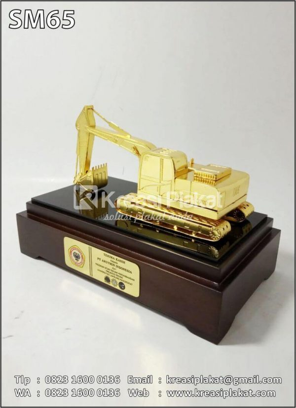 Souvenir Miniatur Alat Berat Excavator