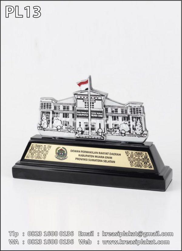 Plakat Logam Gedung DPRD Muara Enim