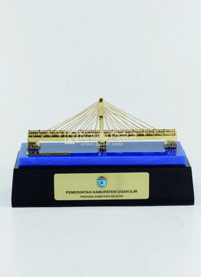 Miniatur Jembatan sebagai Pilihan Souvenir